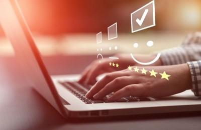 Cum site-urile de recenzii îți pot îmbunătăți afacerea